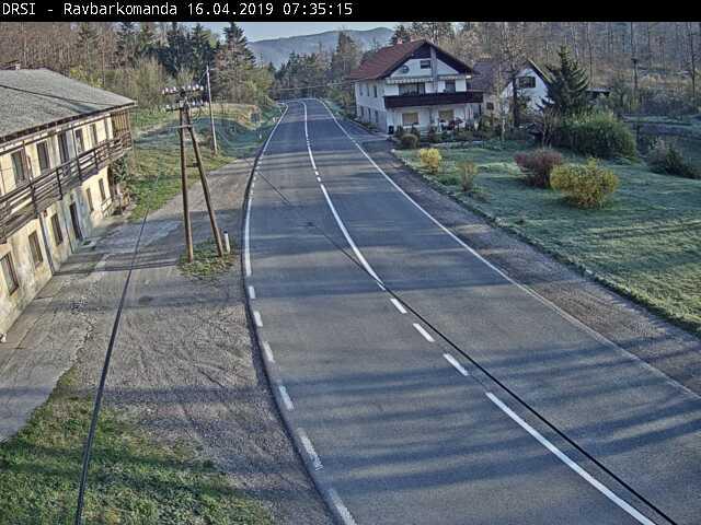 R2-409, Planina - Ravbarkomanda, na Ravbarkomandi - Slovenia