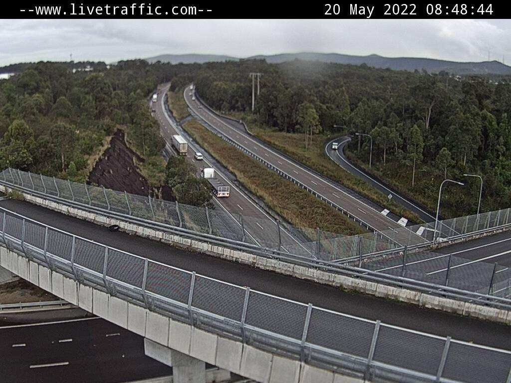 M1 Pacific Motorway (Hunter Expressway) - M1 Pacific Motorway at Hunter Expressway looking south towards Sydney. - S - REG_NORTH - Australia