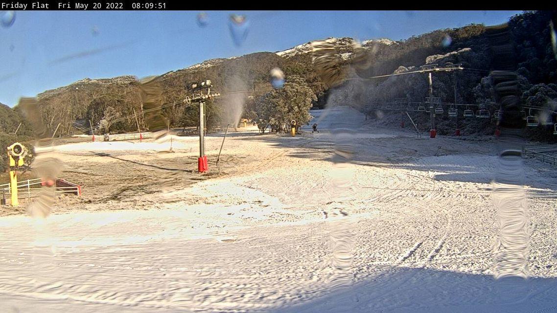 Friday Flat LIVE! - Thredbo Snow Cam - Australia