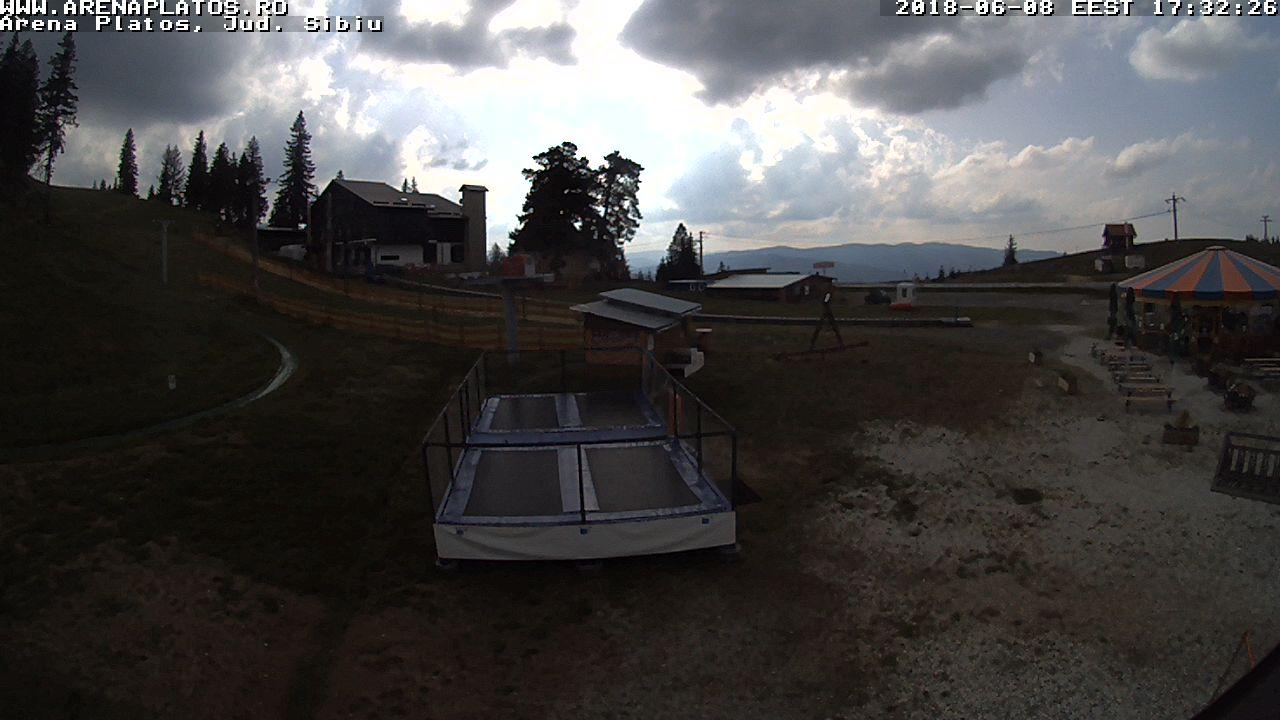 Păltiniș: Pârtiile de schi Arena și Platoș - Romania
