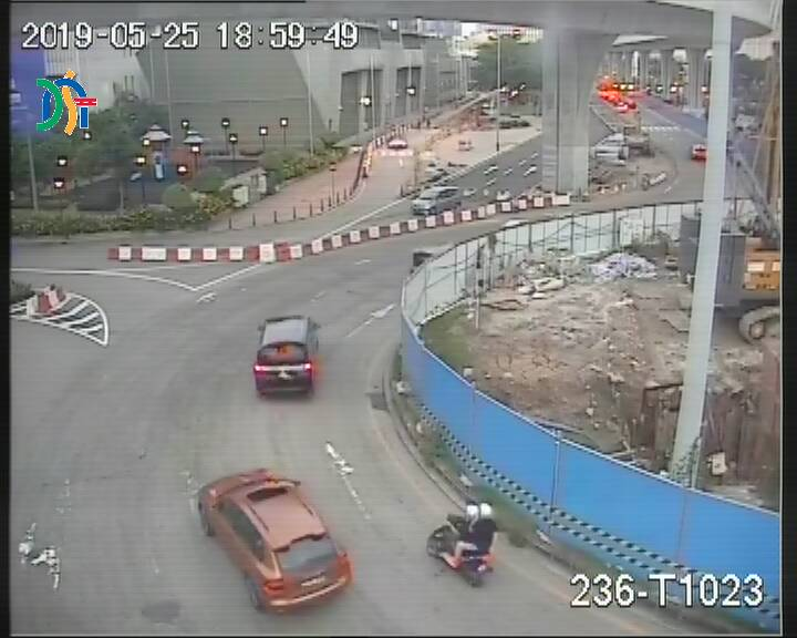 Avenida dos Jogos da Ásia Oriental, leading to Rotunda da Piscina Olímpica - Macau