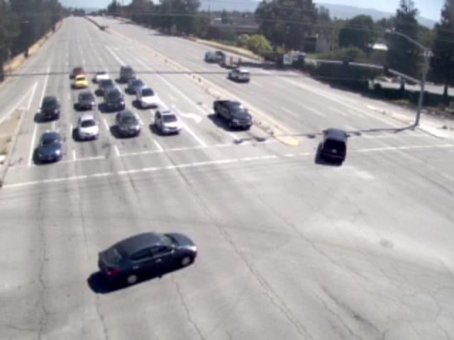 San Tomas Expy @ Walsh Ave (NB View) (402168) - California