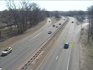 CAM 122 East Hartford RT 2 EB Exit 5C - Maple St. (Traffic closest to the camera is traveling EAST) - USA