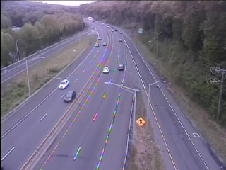 CAM 173 Naugatuck RT 8 NB S/O Exit 29 - N. Main St. & Hopkins St. (Traffic closest to the camera is traveling NORTH) - Connecticut