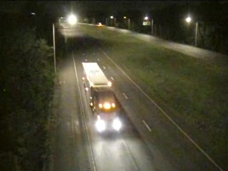 CAM 45 Farmington I-84 WB W/O Exit 37 - W/O Fieneman Rd. (Traffic closest to the camera is traveling WEST) - Connecticut