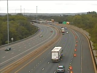 CAM 19 East Hartford I-84 EB W/O Exit 57 - Rt. 5 (Main St.) (Traffic closest to the camera is traveling EAST) - USA