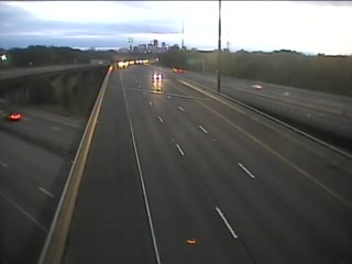 CAM 17 East Hartford I-84 EB W/O Exit 58 - Rt. 15 (Traffic closest to the camera is traveling EAST) - USA