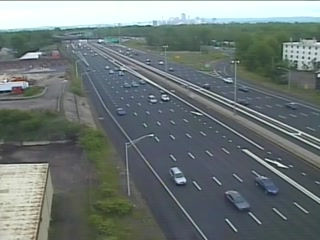 CAM 15 East Hartford I-84 EB W/O Exit 59 - Simmons Rd. (Traffic closest to the camera is traveling EAST) - USA