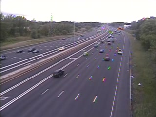 CAM 13 East Hartford I-84 WB E/O Exit 58 - Forbes St. (Traffic closest to the camera is traveling WEST) - USA