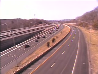 CAM 12 East Hartford I-84 WB E/O Exit 58 - I-384 (Traffic closest to the camera is traveling WEST) - USA