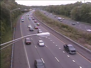 CAM 107 Rocky Hill I-91 SB N/O Exit 22S - N/O Rt. 9 (Traffic closest to the camera is traveling SOUTH) - USA