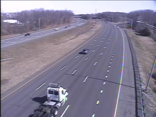 CAM 104 Rocky Hill I-91 NB S/O Exit 23 - S/O West St. (Traffic closest to the camera is traveling NORTH) - USA