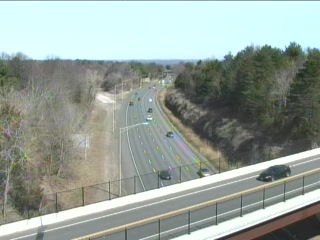 CAM 102 Rocky Hill I-91 SB N/O Exit 23 - Rt. 160 (Elm St.) (Traffic closest to the camera is traveling SOUTH) - USA