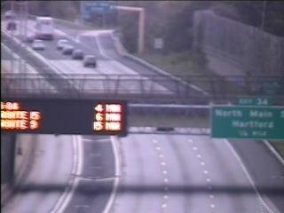 CAM 77 Windsor I-91 SB N/O Exit 34 - Bina Ave. (Traffic closest to the camera is traveling SOUTH) - Connecticut
