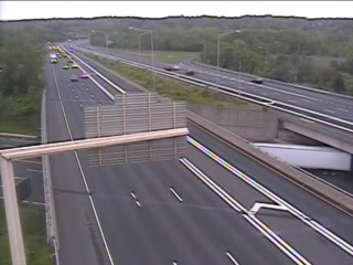 CAM 69 Windsor I-91 SB S/O Exit 38 A/B - Rt. 75 (Poquonock Ave.) (Traffic closest to the camera is traveling SOUTH) - USA