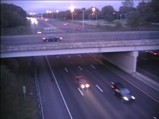 CAM 66 Windsor I-91 SB Exit 38 A/B - Kennedy Rd. (Traffic closest to the camera is traveling SOUTH) - USA