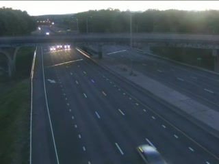 CAM 65 Windsor I-91 SB Exit 40 - Rt. 20 (Traffic closest to the camera is traveling SOUTH) - Connecticut