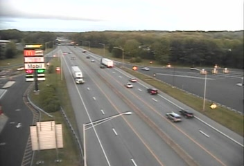 CAM 152 Madison I-95 SB Exit 61 - Madison Rest Area (Traffic closest to the camera is traveling SOUTH) - USA