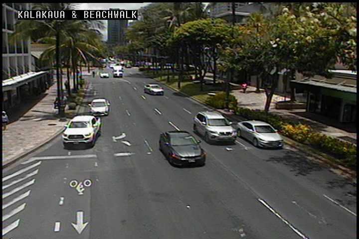 Kalakaua Ave and Beachwalk (176) - Hawaii - Andro Smart Cameras