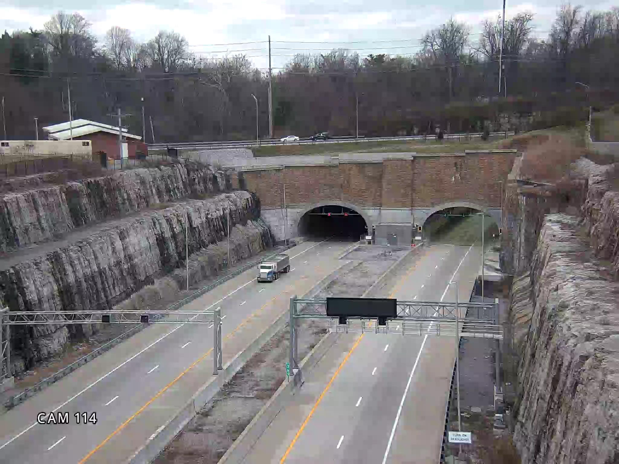 KY841 at tunnel entrance (North)  (342)  - Kentucky