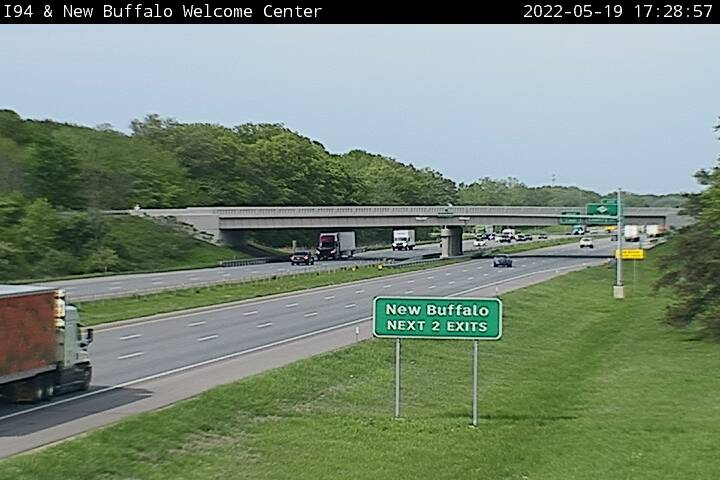 I-94 @ Wilson-Traffic closest to camera is traveling East (2324) - USA