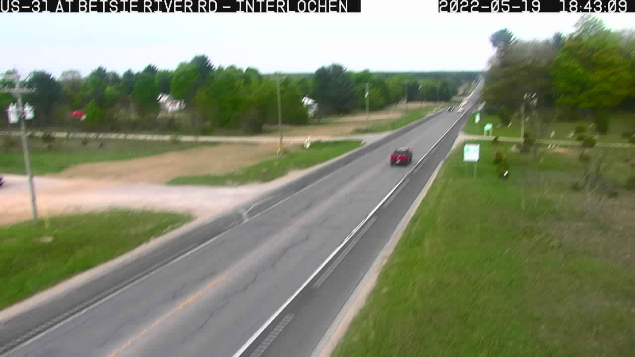 US-31 @ Betsie River Road-Traffic closest to camera is heading East (2340) - USA