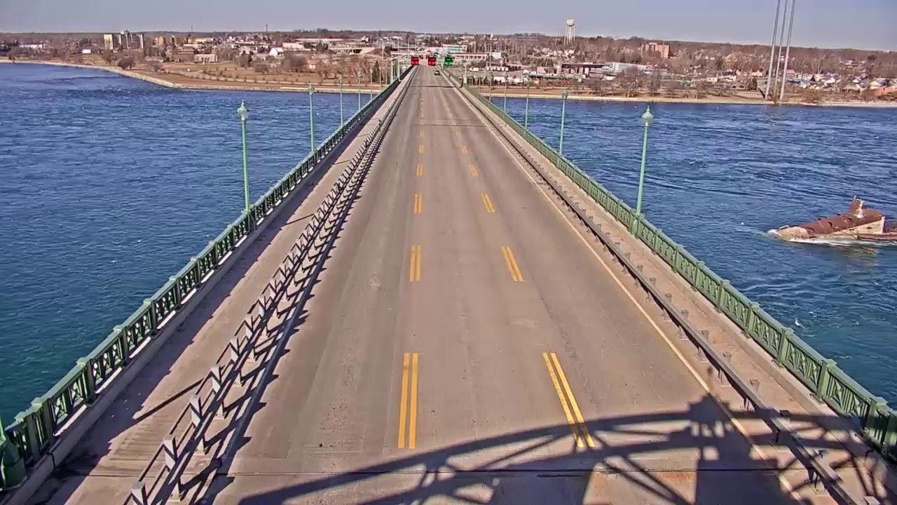 Peace Bridge Deck Looking toward CA (99557) - USA