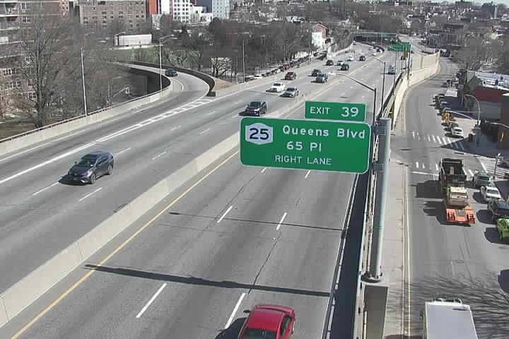BQE35 EB at 61st St - Ex39 (671) - New York City