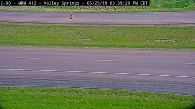 Valley Springs - I-90 @ MP 412 - road surface view - South Dakota